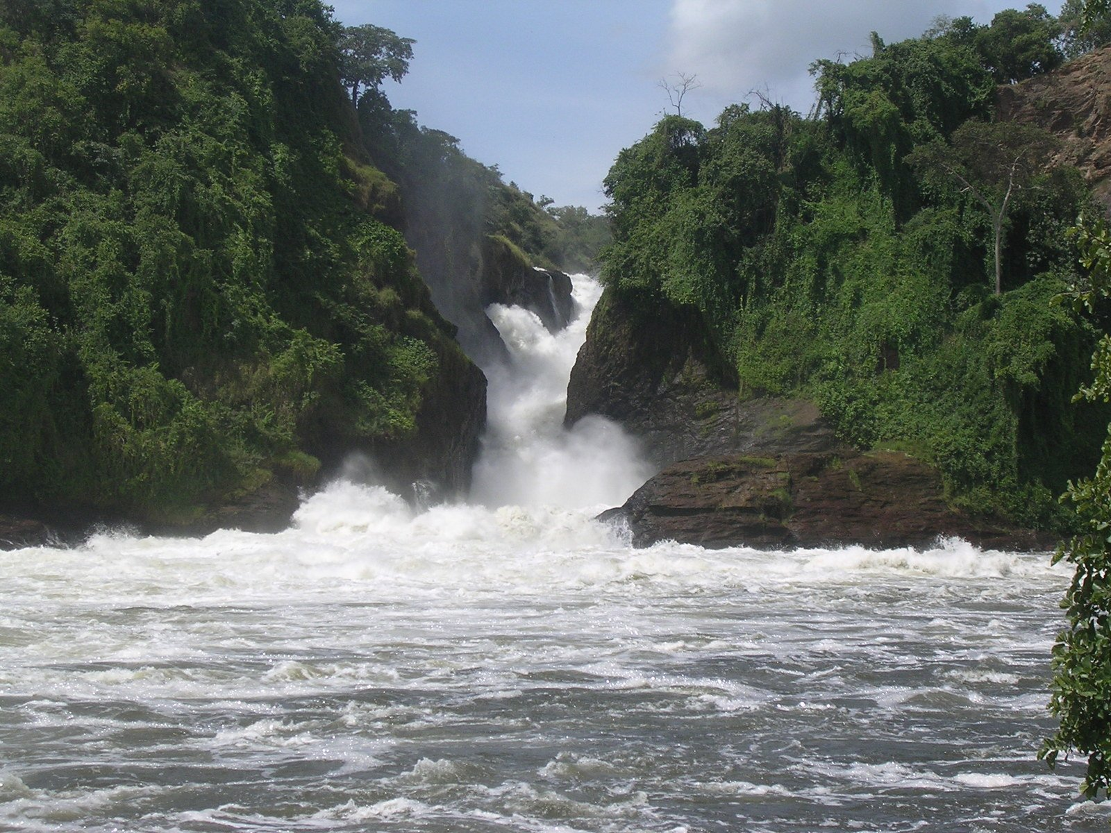 pictures of africa waterfall